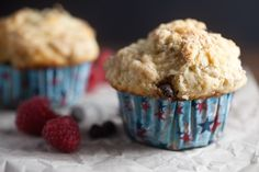 healthy-delicious_bakery style raspberry chocolate muffins