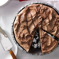 Creamy Hazelnut Pie Recipe -I've always been a big fan of peanut butter. Then I found chocolaty Nutella hazelnut spread and I was hooked! I even changed one of my all-time favorite pie recipes by substituting that ingredient. Chocolate Pies, Chocolate Hazelnut, Delicious Chocolate, Craving Chocolate, Chocolate Cream, Chocolate Pudding, Chocolate Recipes, 13 Desserts, Dessert Recipes