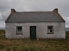 The cottage irish and the christmas on pinterest for Traditional irish cottage designs