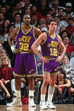 News Photo : Karl Malone and John Stockton of the Utah Jazz. Sport Basketball, Basketball Leagues, Basketball Pictures, Love And Basketball, Basketball Legends, Basketball Uniforms, College Basketball, Sports Pictures, Basketball Players
