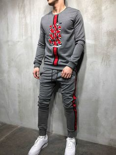 Mens Tracksuit Set, Track Suit Men, Mens Fashion Wear, Men Style Tips, Mens Clothing Styles, Mens Suits, Casual Shirts, Fashion Clothes, Man Style