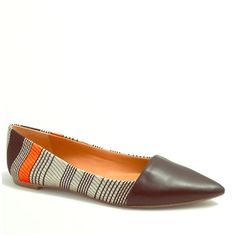 PM EDITOR PICKTextured striped Amelia flatS. These flats are absolutely gorgeous! New in box. Never worn. Still in packaging. Will post more pics of the actual shoe. Purchased for full price at j crew factory. Fabric upper.Leather sole. White, orangey/neon, and I'm assuming the front is darkest blue, almost black. Accepting reasonable offers. J.Crew Factory Shoes Flats & Loafers