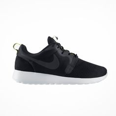 Sepatu Casual Nike Rosherun Hyperfuse 636220-003 memiliki bantalan yang  ringan dan phylon pada bagian 83f328e75b