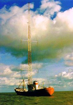 Radio Caroline from the Ross Revenge Radios, Free Radio, Old Time Radio, All Band, Radio Stations, Music Radio, North Sea, Ham Radio, Revenge