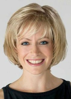 Hair Beauty - Affordable Blonde Wavy Chin Length Bob Wigs help you achieve a pretty look. Find cheap blonde bob style wigs with bangs or Bob Hairstyles For Fine Hair, Layered Bob Hairstyles, Short Bob Haircuts, Haircuts With Bangs, Cool Hairstyles, Teenage Hairstyles, Chin Length Hairstyles, Hairstyle Ideas, Pixie Hairstyles