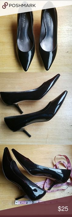 Black patent leather Via Spiga Black patent leather Via Spiga ..3 inch heel..true 2 size..fits sz 8 comfortably with a bit of rm...never been worn..only tried on n store & hm...selling due I have similiar shoes...nice shoes for buisness attire...no box Via Spiga Shoes Heels
