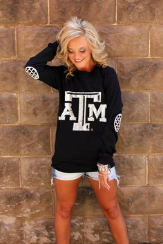 Texas A&M University Elbow Patch Tee - Gig'em kb Georgia Girls, Elbow Patches, Mode Inspiration, Swagg, What To Wear, Style Me, Cute Outfits, Summer Outfits, Black And White