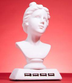 Aphrodite USB Hub - goddess of geek?
