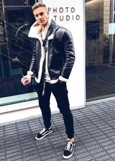 How to wear: black shearling jacket, grey print sweatshirt, black sweatpants, black Printed Sweatshirts, Mens Sweatshirts, Jeans E Vans, Mens Fashion Suits, Men's Fashion, Latest Fashion, Fashion Stores, Fashion Ideas, Black Shearling Jacket