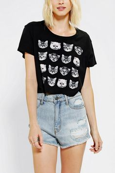 Because one cat on your cropped tee is just not enough. #catober