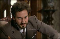 Àlex Gadea in Seis Hermanas interpreta il dottor Cristóbal Loygorri