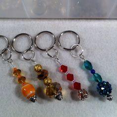 Bead Jewellery, Wire Jewelry, Jewelry Crafts, Jewelry Art, Beaded Jewelry, Jewelery, Jewelry Design, Handmade Keychains, Diy Keychain