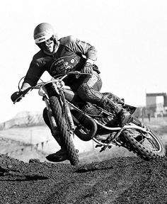 This weeks Feed showcases an Ossa Phantom mounted Marty Moates, news from both desert and extreme racing and some superb social media pops and plugs. Motocross Action, Motocross Riders, Dirt Bike Magazine, Old Scool, Vintage Motocross, Bike Rider, Vintage Bikes, Sidecar, Cars And Motorcycles