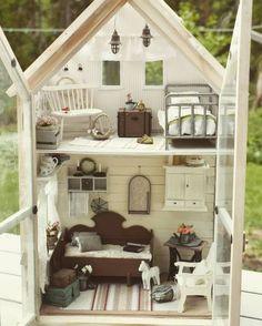 Miniature Doll House made by Salla Helkkiilä Vitrine Miniature, Miniature Rooms, Miniature Houses, Miniature Furniture, Dollhouse Furniture, Miniature Crafts, Barbie Furniture, Diy Dollhouse, Dollhouse Miniatures