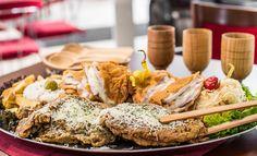 Vyše kilová porcia rezňov pre 4 – 5 osôb alebo 600 g misa rezňov pre dvoch Thing 1, Catering, Ale, Dairy, Celebrity, Cheese, Chicken, Food, Basket