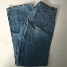 Abercrombie and Fitch jeans Women's Abercrombie and Fitch jeans. Great condition size stretch 8L. 99% cotton and 1% spandex Abercrombie & Fitch Jeans Straight Leg