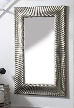 Grands miroirs originaux modèle NADELINA. Décoration Beltran, votre magasin online de grands miroirs.