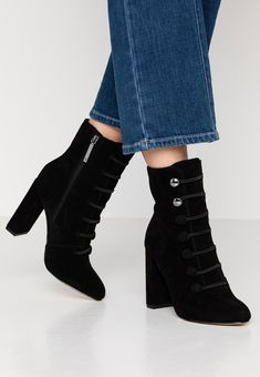 River Island Bottines à talons hauts - black - ZALANDO.FR Zalando Shoes, Black Noir, River Island, Wedges, Booty, Ankle, Fashion, Ankle Boots, Heels