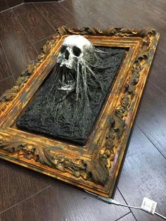 Homemade Halloween Decorations, Halloween Crafts, Happy Halloween, Holiday Decorations, Ancient Egypt Crafts, Creepy Houses, Scary Halloween Costumes, Halloween Pictures, Skull Art
