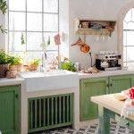 Placards en bois, billot, table de ferme... votre cuisine possède tout le charme d'antan... ou presque. La touche finale, indispensable: un évier rétro, adapté aux besoins d'aujourd'hui.