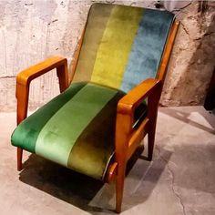"""#Vintage #Mobilya #Dekorasyon #Furniture #Decoration #Kanepe #Koltuk #Sofa #Armchair #Chair #KarakoyJunk  Vintage koltuk 2 adet ~ Tanesi 1.000TL"" Photo taken by @karakoyjunk on Instagram, pinned via the InstaPin iOS App! http://www.instapinapp.com (07/03/2015)"