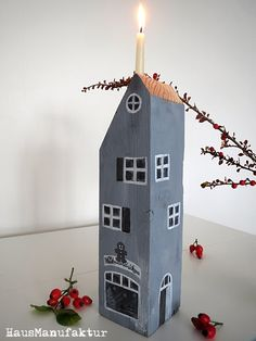 Ideas and Inspirations: Neue Holzhäuser * new wooden houses Ideas and Inspirations: New wooden houses Christmas World, Christmas Crafts, Christmas Decorations, Holiday Decor, Christmas Houses, Dyi Crafts, Wooden Crafts, Diy Arts And Crafts, Small Wooden House