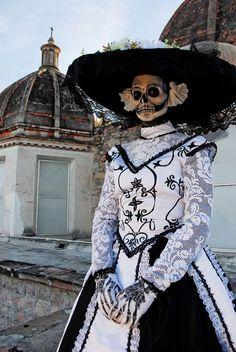 La catrina (Día de los Muertos)...gorgeous!