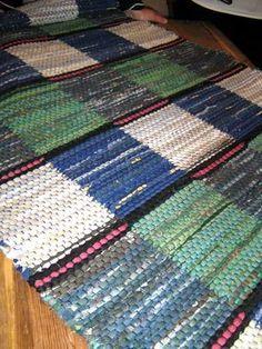 Vi KronobergsVävare - april '10 April 10, Recycled Fabric, Woven Rug, Weaving, Rag Rugs, Crafts, Wall Hangings, Inspiration, Ali