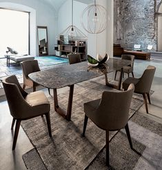 430 Opera, marble dining table by Vibieffe Dining Table Design, Dinning Table, Dining Chairs, E Piano, Dining Room Walls, Decoration Table, Dining Furniture, Room Decor, Emperador Marble