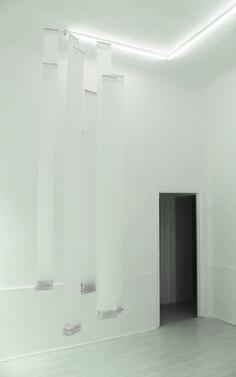 Elena Modorati, Giardino Pensile, poliestere, cera, carta giapponese, dimensioni variabili, 2007-2015. #blackandwhite