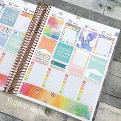 I used only @erincondren stickers for this spread, and I'm in love! PWM link in the bio  #erincondren #lifeplanner #eclifeplanner #eclp . . . #rosegold #stickers #teamvertical #plannerlove #plannercommunity #planneraddict #plannergirl #plannernerd #plannerstickers #plannergoodies #plannerjunkie #agenda