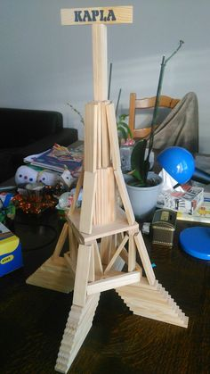 tour Eiffel Tour Eiffel, Wooden Building Blocks, Rainy Day Crafts, Reggio Emilia, Science Activities, Kids And Parenting, Diy For Kids, Pixel Art, Lego
