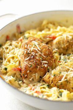 Italian Recipes Copycat Olive Garden Tuscan Garlic Chicken - Life Made Simple Chicken Parmesan Recipes, Chicken Salad Recipes, Recipe Chicken, Chicken Meals, Baked Chicken, Chicken Thights Recipes, Boneless Chicken, Grilled Chicken, Easy Chicken Dishes