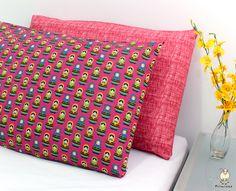 Procurando capas de travesseiros coloridas? Olha essas fronhas! Deixam a decoração muito linda!! <3