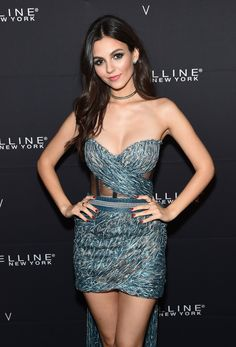 Victoria Justice is a beautiful American actress and singer. Explore 62 lovely Victoria Justice photos and wallpapers collected from social media sites. Beautiful Celebrities, Beautiful Actresses, Gorgeous Women, Beautiful Females, Belle Silhouette, Hot Brunette, Brunette Beauty, Sensual, Sexy Dresses