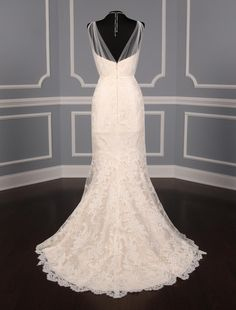 This 100% Romona Keveza L5012 wedding dress is from the Legends Collection!  The Alencon lace is simply gorgeous!  This gown is a soft blush color with the ivory color lace overlay.  Extreme elegance!   Now up to 90% Off Retail! #romonakeveza