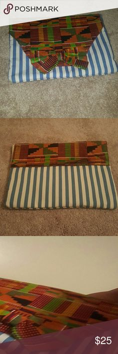 Custom Kente Large Clutch Had this custom made. Very unique and cute with the perfect outfit. Carried one time Bags Clutches & Wristlets