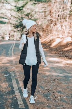 36 Lovely Women Winter Outfits Ideas Enjoy The Snow Sporty Outfits Enjoy ideas Lovely Outfits Snow Winter women Cute Fall Outfits, Winter Outfits Women, Casual Winter Outfits, Mom Outfits, Winter Fashion Outfits, Look Fashion, Autumn Fashion, Womens Fashion, Fashion Spring
