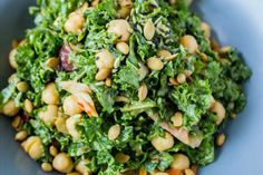Kale Kimchi Salad with Avocado Sweet Potato and Chickpeas Roasted Sweet Potatoes, Kimchi, Sin Gluten, Vegan Recipes Easy, Whole Food Recipes, Free Recipes, Cilantro, Feta, Kitchens