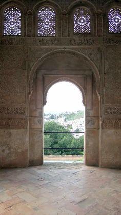 Generalife - Patio de Acequia pavilion - photo: Robert Bovington  # Alhambra # Granada #Andalusia #Spain http://bobbovington.blogspot.com.es/2011/10/alhambra.html