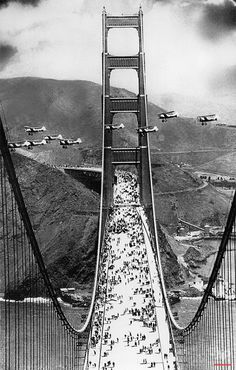 """historicaltimes: """"On May the newly completed Golden Gate Bridge connecting San Francisco and Marin County, California, was opened to pedestrian traffic . """" by San Francisco Feelings Old Pictures, Old Photos, Vintage Photos, Rare Photos, Ponte Golden Gate, Golden Gate Bridge, Rare Historical Photos, All Nature, Pics Art"""