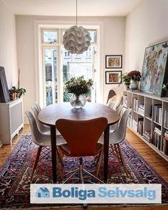 Sindshvilevej 1, 1. th., 2000 Frederiksberg - STOR SYDVENDT ALTAN - sol fra middag til solnedgang–fantastisk gård #andel #andelsbolig #andelslejlighed #frederiksberg #frb #selvsalg #boligsalg #boligdk