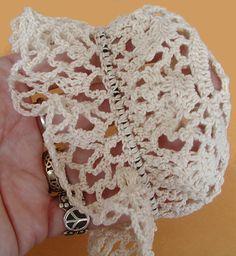 Vintage Threads Inc.: Tutorial on Doily Bun Cover or Easy Snood Crochet Snood, Crochet Bows, Thread Crochet, Crochet Doilies, Crocheted Headbands, Crochet Sweaters, Crochet Squares, Free Crochet, Crochet Hair Accessories