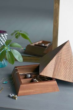 ARTS THREAD X UO Make It Wooden Pyramid Jewelry Box - Urban Outfitters #UOonCampus #UOContest