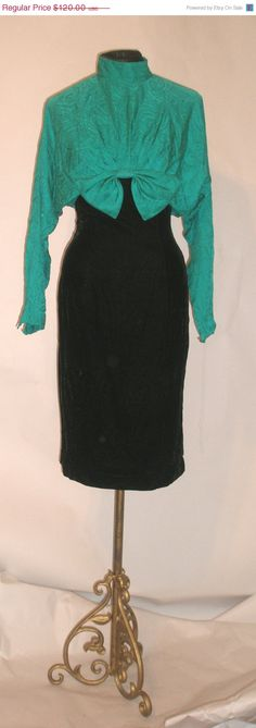 SUMMER CLEARANCE SALE Chic Black Velvet & Green Silk 80s Does 50s Wiggle Dress-Holiday Cocktail Party Waldorf-Size 4-Small-36 Bust-