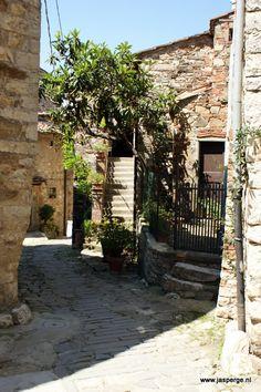 Doorkijkje in Montefioralle