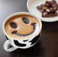 Coffee art smiley face, perfect for this summer's day #CoffeeArt #ButlersChocolates