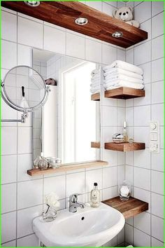 tiny Bathroom Decor Great Photos Bathroom Cabinets organization Suggestions Bathroom cabinets will be greatly thought to be to achieve the a lot of influence within a rest room Small Bathroom Storage, Bathroom Design Small, Bathroom Interior Design, Bathroom Shelves, Small Bathroom Ideas, Simple Bathroom, Small Bathroom Makeovers, Modern Bathroom, Small Bathroom With Bath