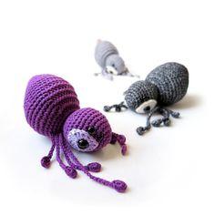 """Häkelanleitung für eine Spieluhr oder Babyrassel """"Agatha die Spinne"""" / crochet pattern and instruction for a music box or baby rattle made by lalylala via DaWanda.com"""