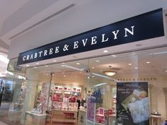 Crabtree & Evelyn, Oaks Mall